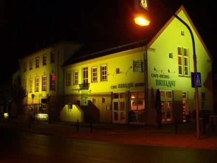 Building of the Diamond Cutter Museum Brücken by night