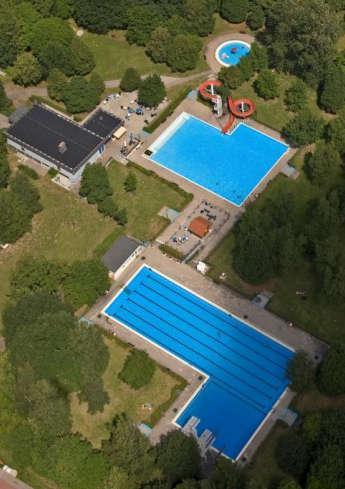 Waldmohr heated outdoor pool